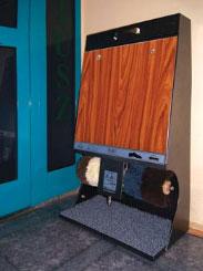 Fotostart - 🥇PUCYBUT urządzenia maszyny automaty do czyszczenia obuwia butów podeszw